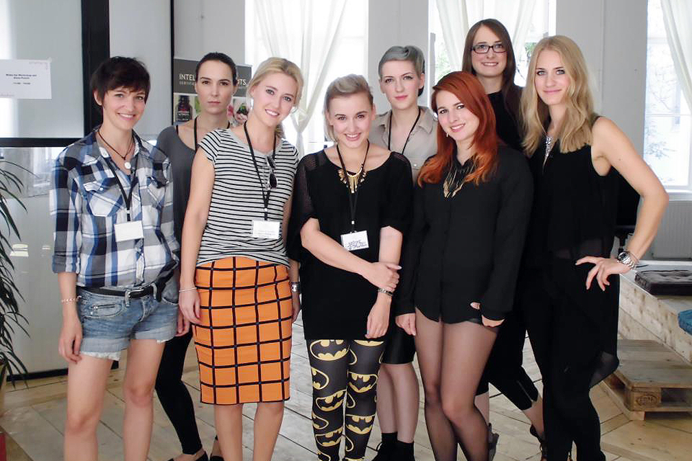 01-Fashion-Camp-2012-Anna-Posch-Makeup-Workshop-thexed