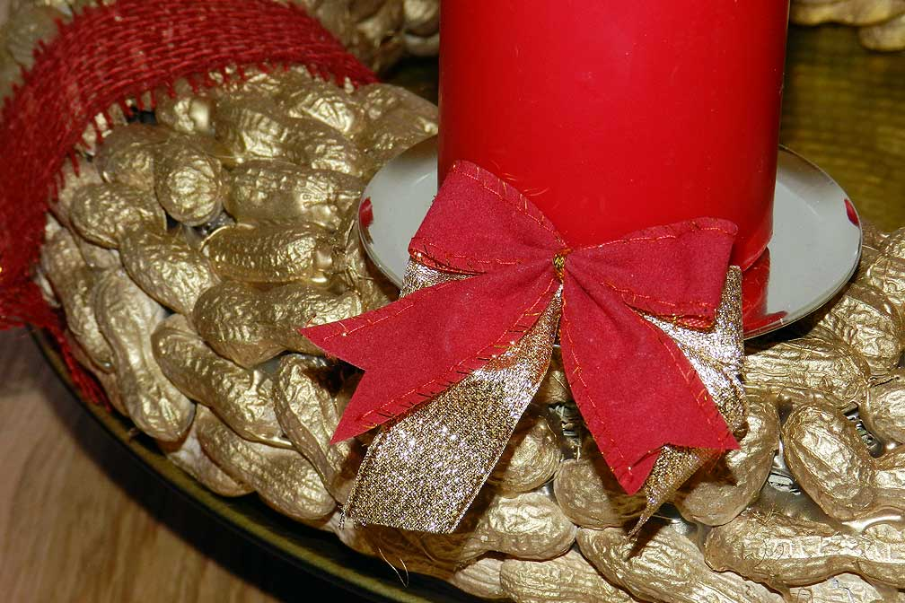 09-Do-it-yourself-Adventkranz-Erdnuesse-xed