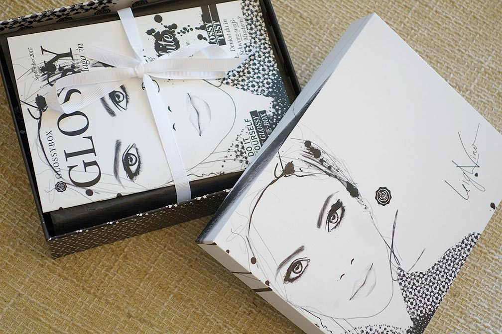 00-Glossybox-September-2015-black-and-white