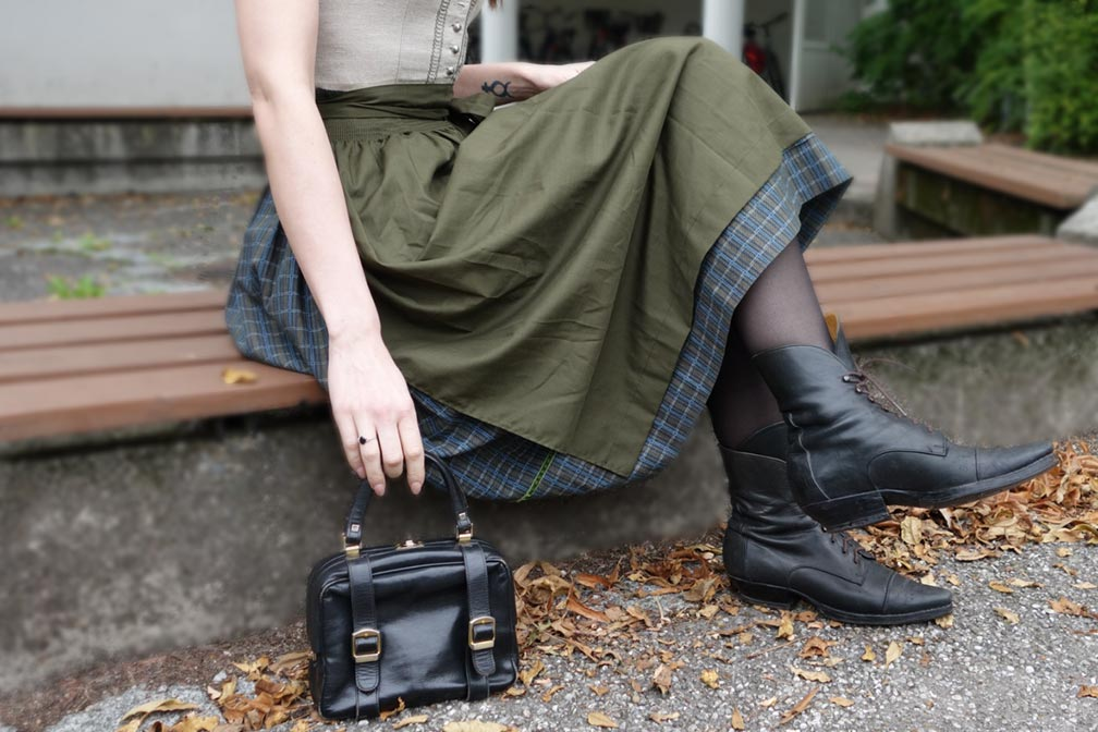 03-Wiesen-Oktoberfest-Muenchen-Dirndl-The-Daily-Outfit-thexed
