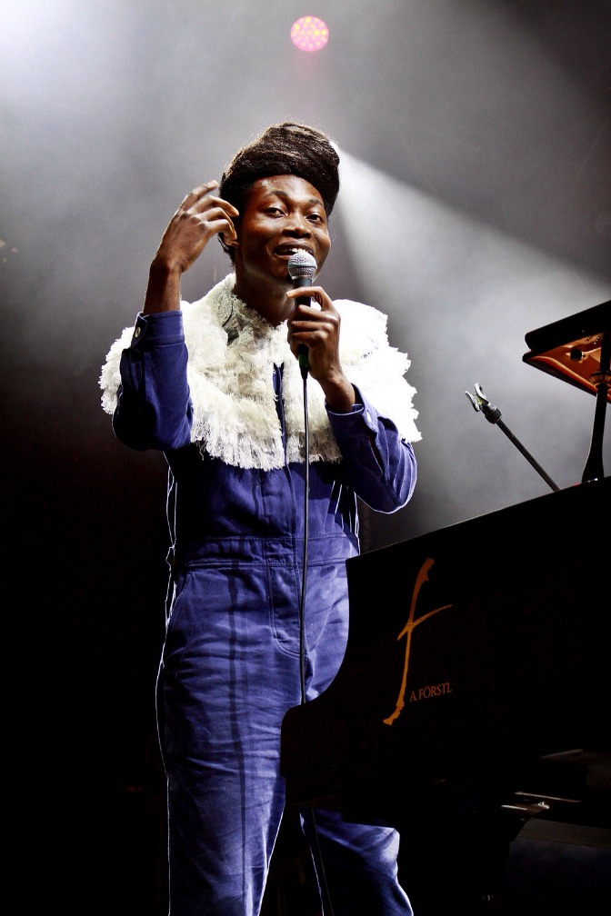 02-benjamin-clementine-out-of-the-woods-festival-2017-Iris-Reihs-xedblog-thexed