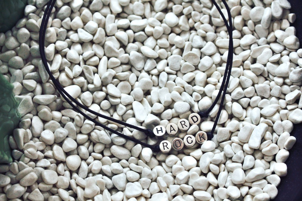 08-new-year-quote-armband-name-your-choker