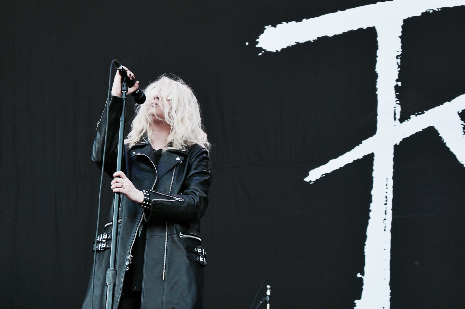 05-the-pretty-reckless-fm4-frequency-festival-2017-thexed-xedblog