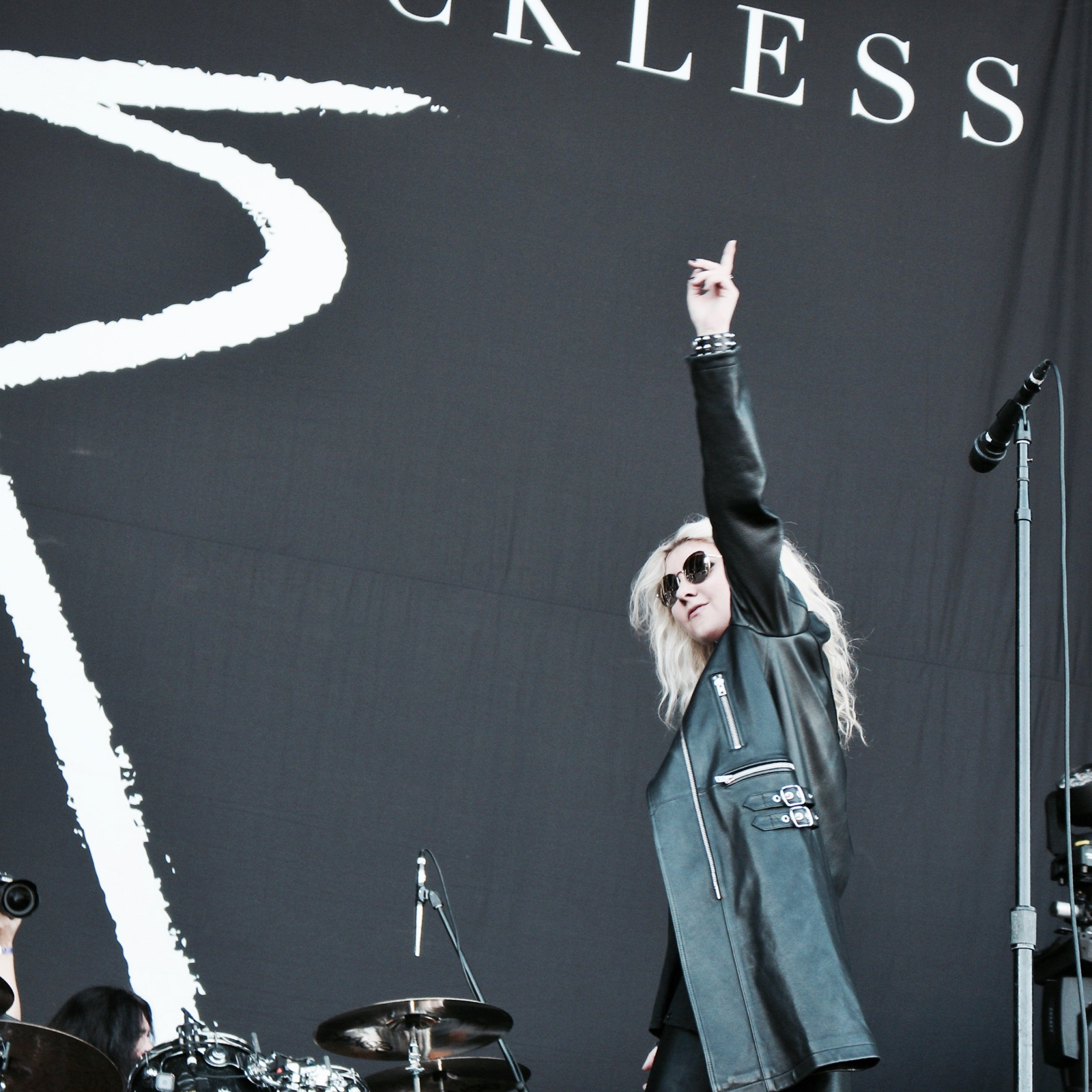 07-the-pretty-reckless-fm4-frequency-festival-2017-thexed-xedblog